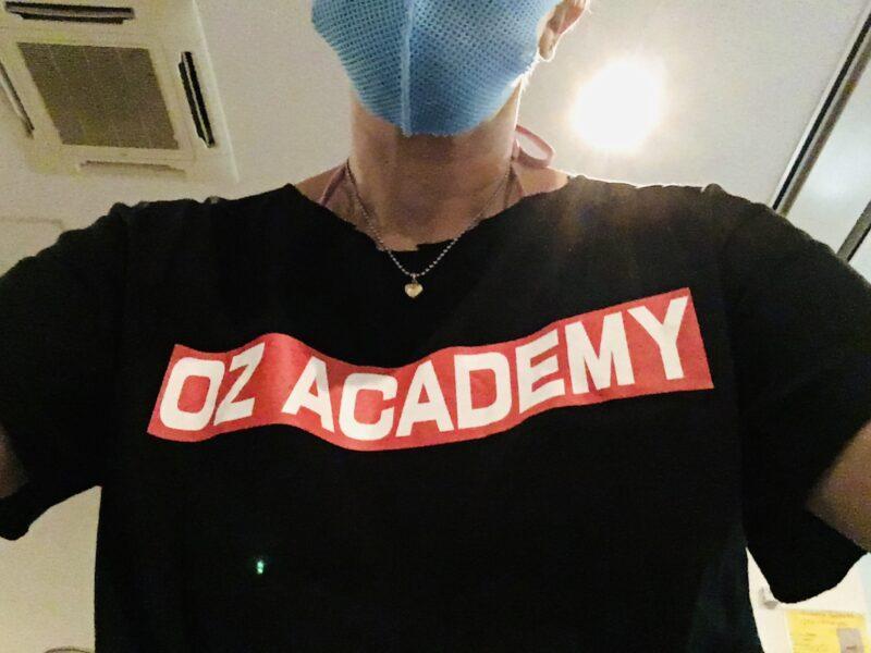 OZアカデミーのTシャツ